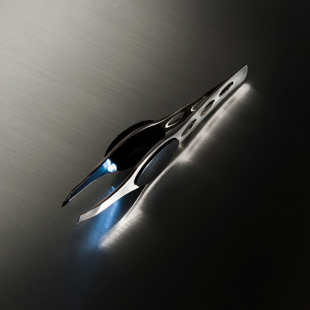 Trend Tweezers LED Lighted Precision Tweezer