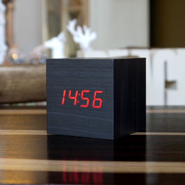 gingko eco friendly innovative led alarm clocks. Black Bedroom Furniture Sets. Home Design Ideas