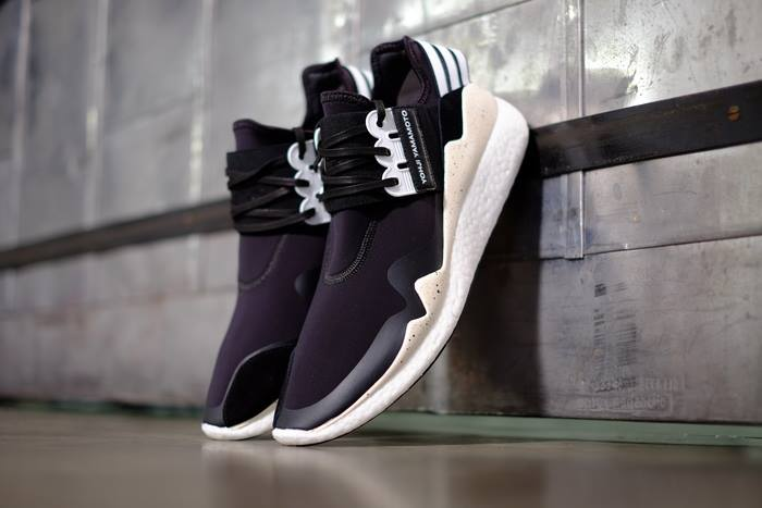 adidas y 3 yohji yamamoto retro boost lifestyle fancy. Black Bedroom Furniture Sets. Home Design Ideas